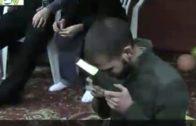 Warum küssen Muslime den Qur'an?